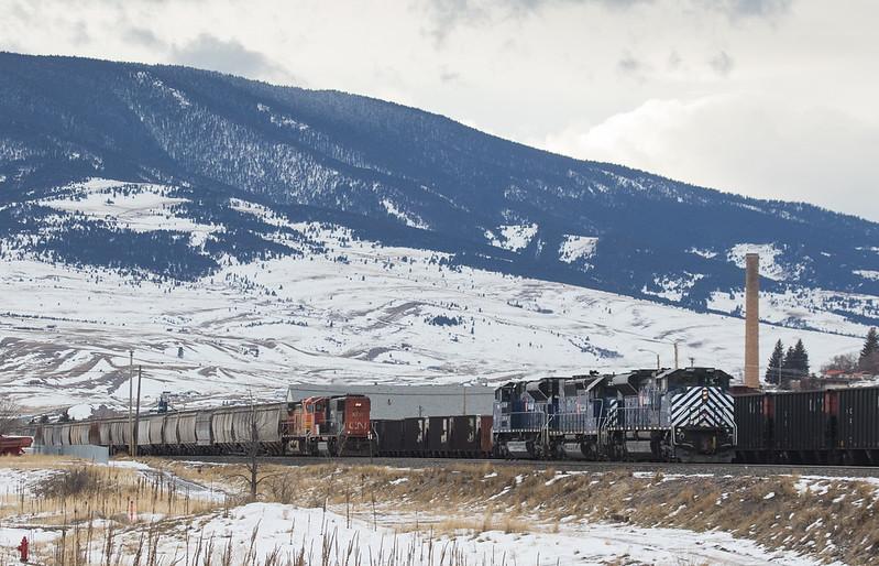 CN 5791 as DPU on G-LMNINB931 and helper set 4407/290/4404 in Livingstone, MT.