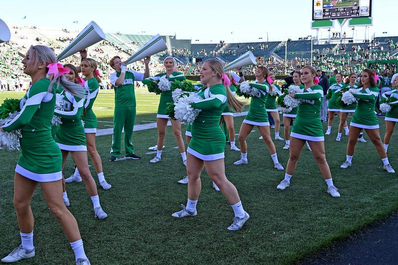 cheerleaders1259.jpg