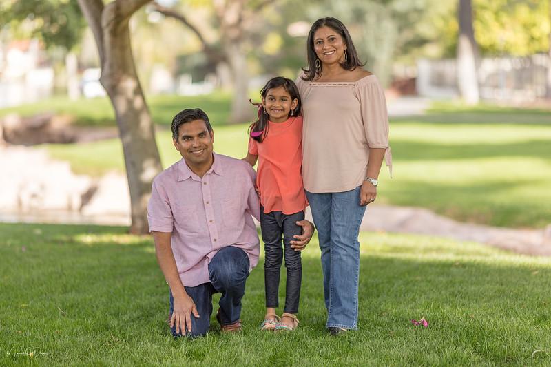 Urvi Family-161.jpg