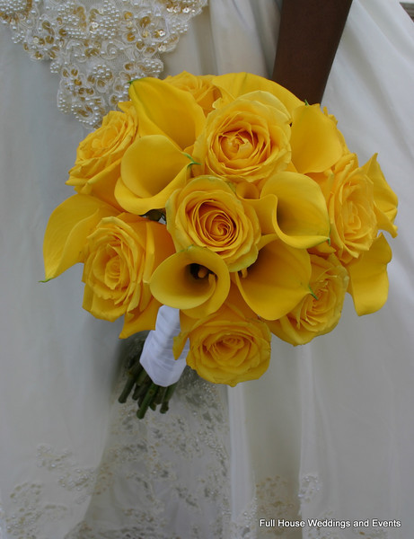 Bouquet - Yellow Roses and Yellow Mini Calla Lilies