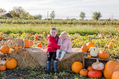 Louie & Isla @ The Pumpkin Patch