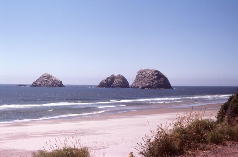 1985-07-24 Arches Rockaway Beach 606.jpg