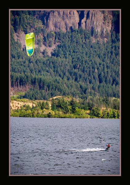 Kitesurfing_CascadeLocks_BL8E6250.jpg