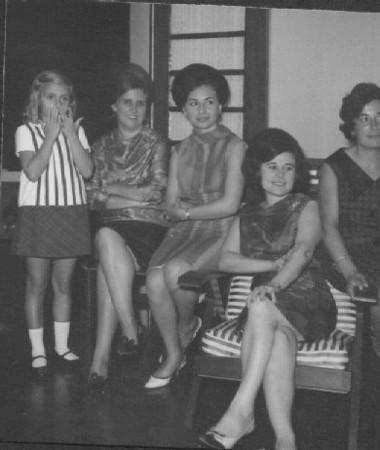 Guida Tavares, Aurora Tavares, Justina Pedro, esposa do Ramos e Lurdes Pereira