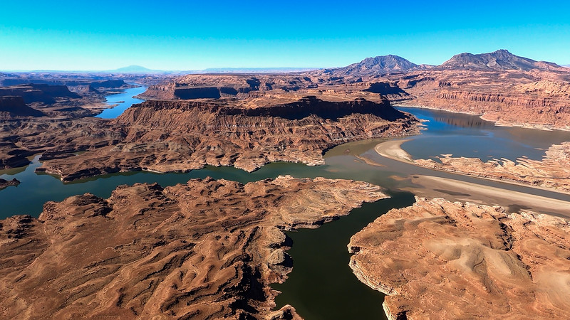 colorado-river-lake-powell-lighthawk-gopro8-card1-10.jpg