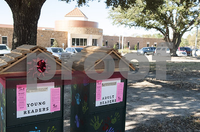 dixie-elementary-school-gifts-community-little-free-library