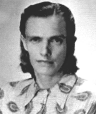 Anna Zielinski bw