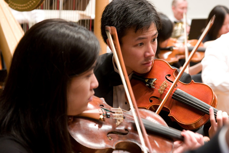 Stephanie Shiau, Eric Peng, violin -- Hopkins Symphony Orchestra, March 2008