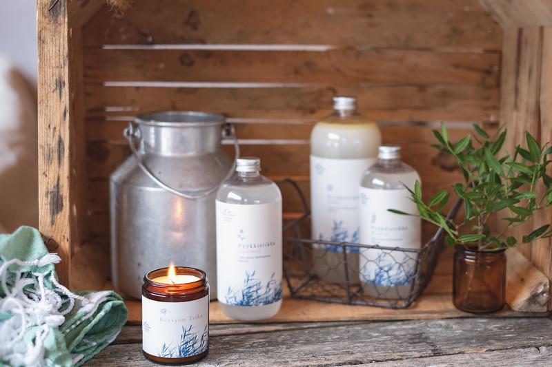 Saaren Taika ekologinen pesuaine luonnollinen saippua tyrnivoide vegaaninen kynttilä-6.jpg