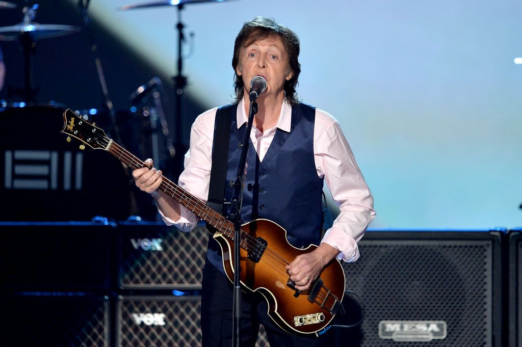 """. <p><b> Former Beatles great Paul McCartney made headlines on Monday when he was able to do this in only 20 minutes � </b> <p> A. Sell out his Target Field concert <p> B. Sign 1,000 copies of his new album <p> C. His daily Just for Men coloring <p><b><a href=\'http://www.twincities.com/entertainment/ci_25653752/concert-news-mccartney-show-at-target-field-sells\' target=\""""_blank\""""> LINK </a></b> <p>     (Kevin Winter/Getty Images)"""