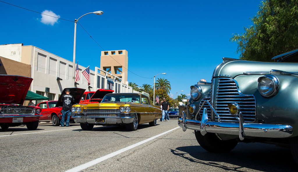 . IDB-L-DBROUTE66-SUN-024 Classic cars  line Euclid Ave in Ontario, on the last day of the  Route 66 Cruisin� Reunion, on Sunday, September 22, 2013. (photos by Frank Perez for the Daily Bulletin)