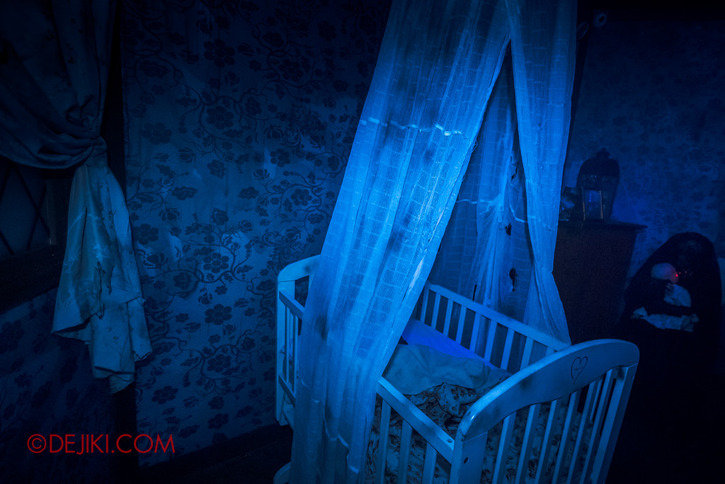 Halloween Horror Nights 6 - Salem Witch House / Nursery