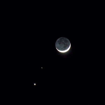 The Moon, Mars, and Venus were aligned in February 2015. Redding, CA