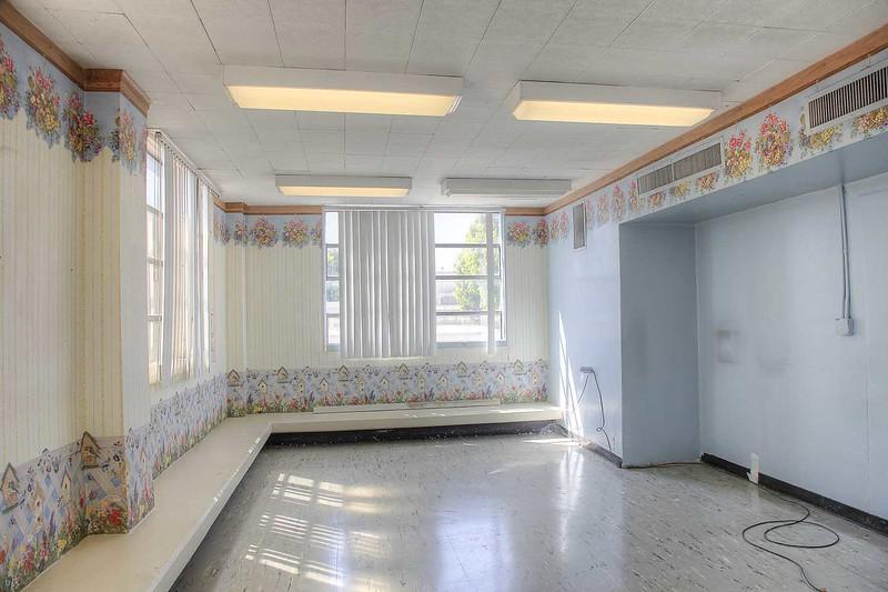 hospital_childrens_ward_hall_rm2013_int.jpg