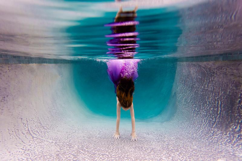 UnderwaterJeni6.jpg