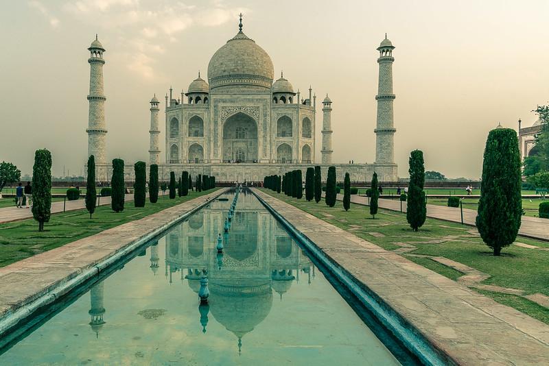 Taj-Mahal-1458-HDR.jpg