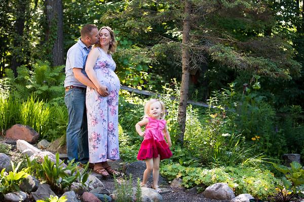 2018 Larson Family, Bekki Maternity