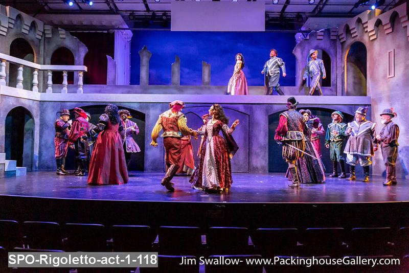 SPO-Rigoletto-act-1-118.jpg