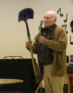Billy Evans and his trusty shovel!
