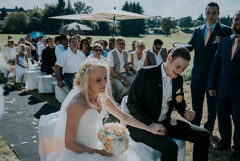 Tu-Nguyen-Wedding-Hochzeitsfotograf-Hochzeitsreportage-Neuwied-Bonn-Koblenz-Jan-Jessica-54.jpg