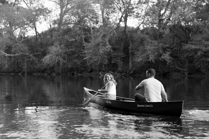 canoe-engagement-pictures.jpg