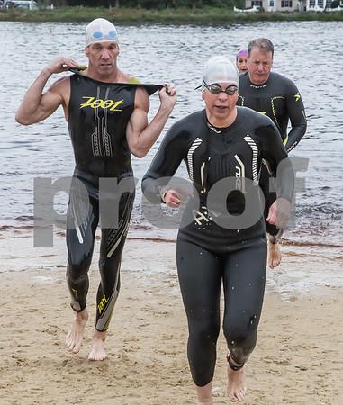 Swim Finish 0848 - 0850 am (38)