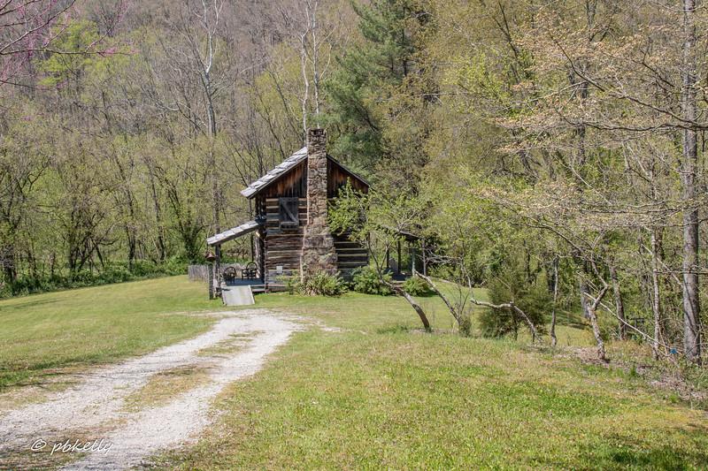 Gladie cabin 050118-6.jpg