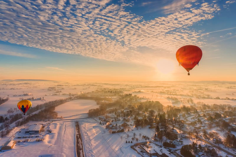 hot air balloon tour - two balloons over smoketown airport(p).jpg