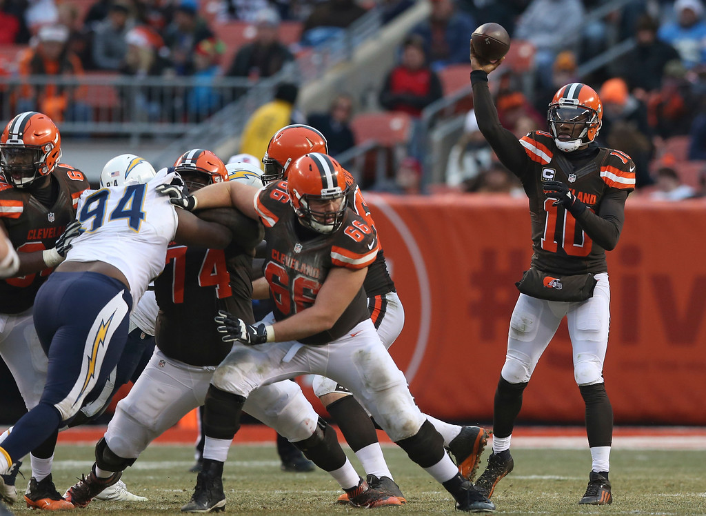 . Cleveland Browns quarterback Robert Griffin III (10) throws against the San Diego Chargers in the second half of an NFL football game, Saturday, Dec. 24, 2016, in Cleveland. (AP Photo/Aaron Josefczyk)