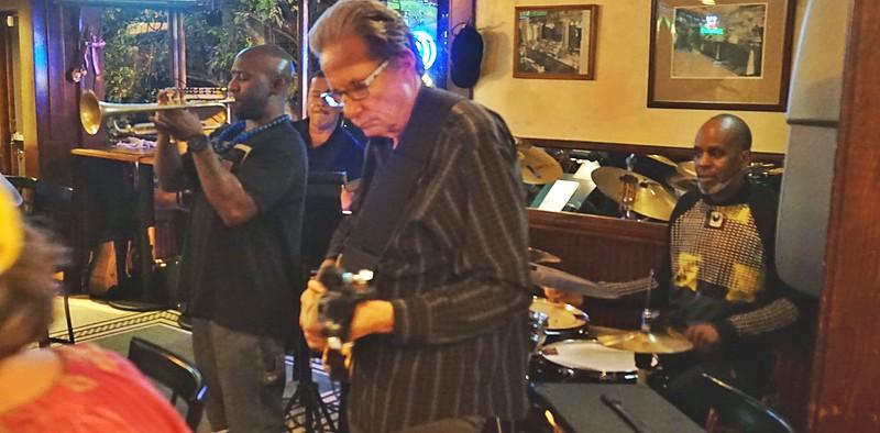 John Lee Trio and Friends at Suzieques3.jpg