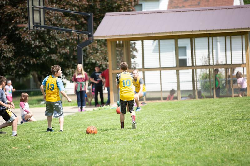 OSCI-8thgradevsteachers-kickball-13.jpg