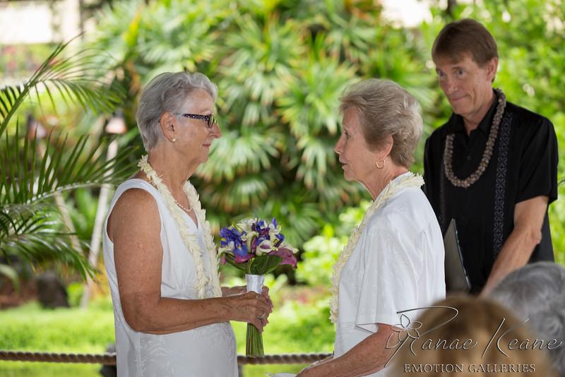 044__Hawaii_Destination_Wedding_Photographer_Ranae_Keane_www.EmotionGalleries.com__141018.jpg
