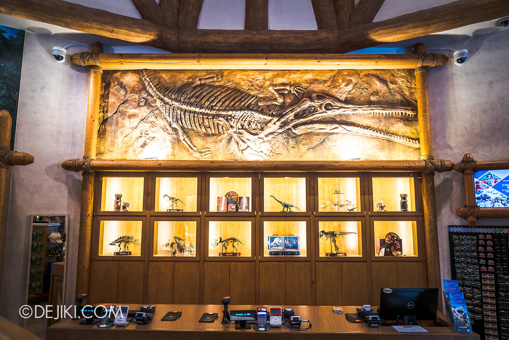 Universal Studios Singapore Park Update - Jurassic World Explore and Roar at Jurassic Park Dino-Store retail revamp 3