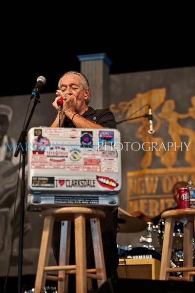 Charlie Musselwhite @ Blues Tent (Thur 5/5/11)