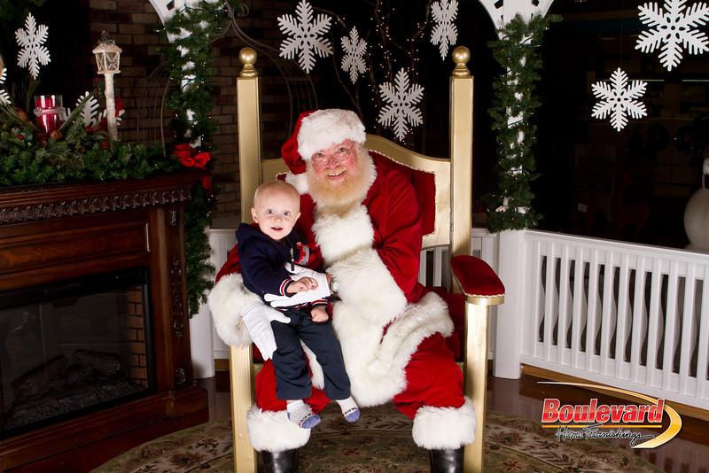 Santa Dec 15-211.jpg