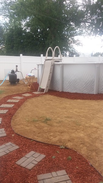 Northeast Philly 24' Round above ground pool with deep middle.