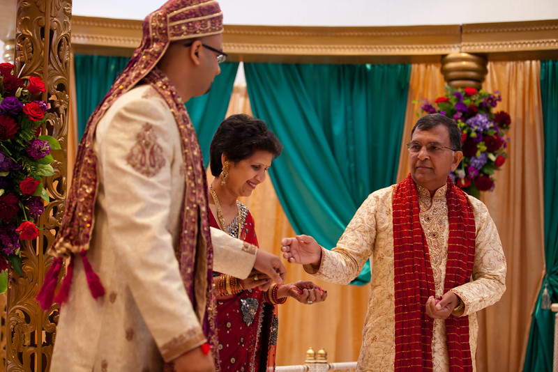 Shikha_Gaurav_Wedding-918.jpg