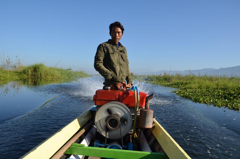 DSC_4310-motorboat-driver.JPG