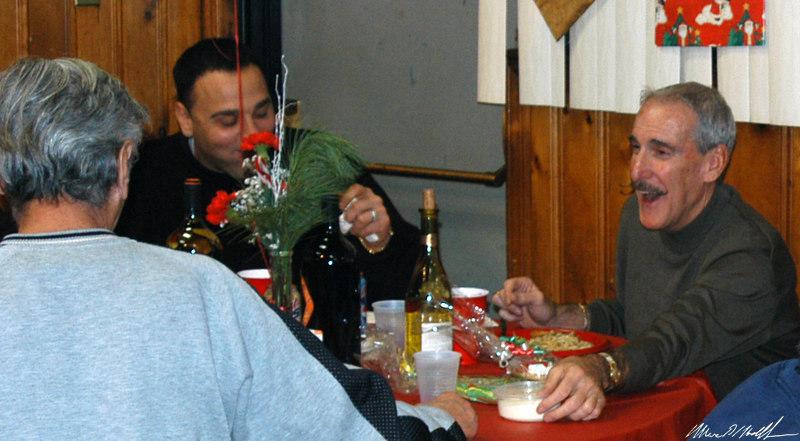 2004-12-10 xmas party-DSC_0095.jpg