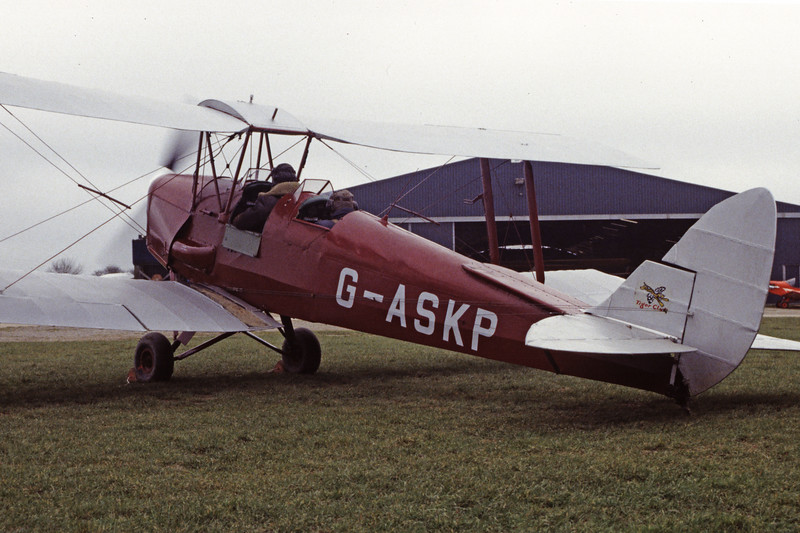 G-ASKP-DH-82ATigerMoth-Private-EGKH-1998-02-19-EI-41-KBVPCollection.jpg