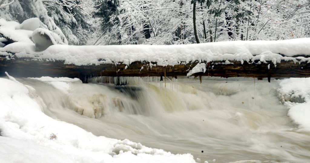 . Maribeth Joeright/MJoeright@News-Herald.com Breathtaking scenery greeted hikers in every direction in the gorge at Lake Metroparks Penitentiary Glen but rushing water made it too dangerous for the group to attempt any river crossings.