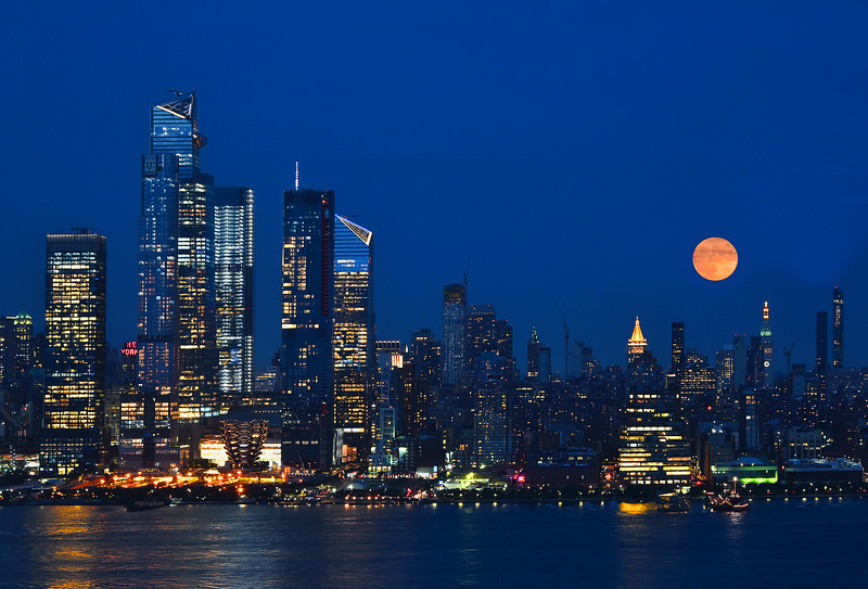 NYC Buck Full Moon at Twilight