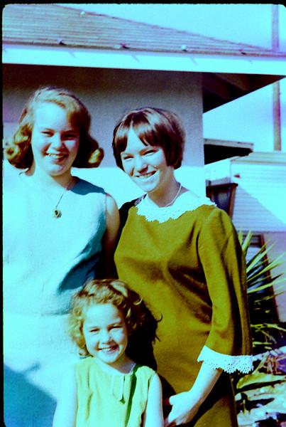 0021 - jeannette, heleen, small girl (12-68).jpg