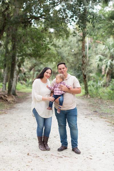 Holiday Minis- Acosta Family-39.jpg