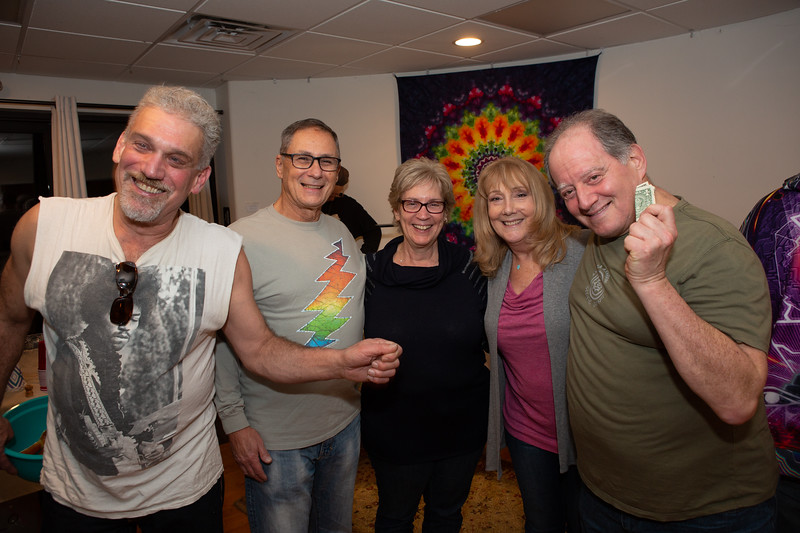 011020 Circle D Dogs In A Pile Steal Your Face 20-002
