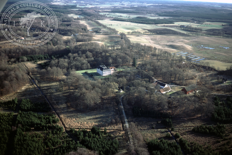 Christinehofs slott [Andrarums Gård] with visible remains of historic garden- and landscaping structures (20 November, 1988). | LH.0296