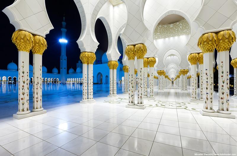Abu-Dhabi-IMG_6741-web.jpg