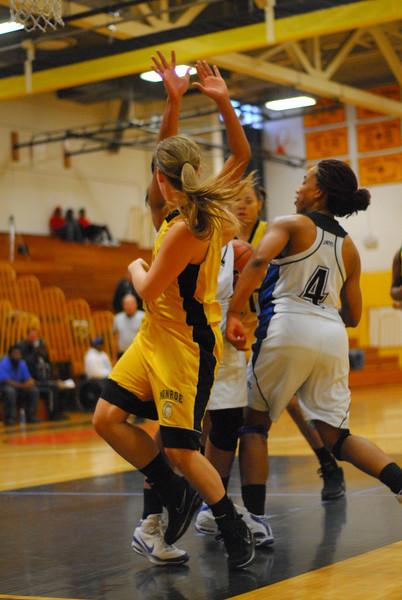 20091122_MCC Basketball_8881.JPG