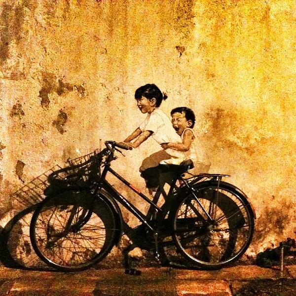 Stumbled_upon_a_street_art_in_Georgetown__Penang.__RJMalay__Malaysia.jpg