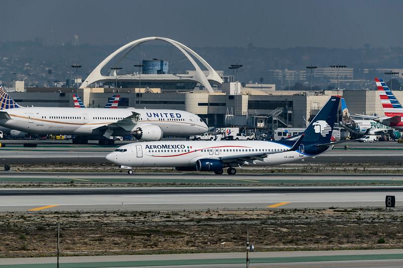F20181111a110216_1755-LAX-AeroMexico.jpg
